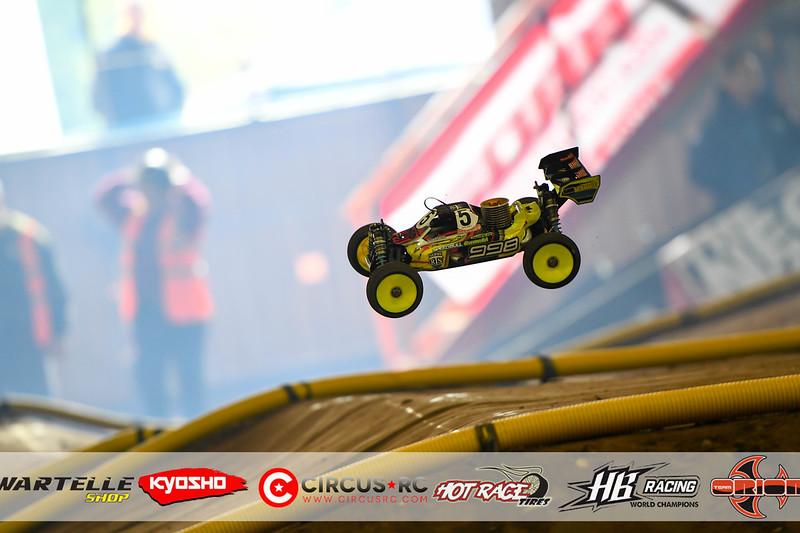 neo race track pits41.jpg