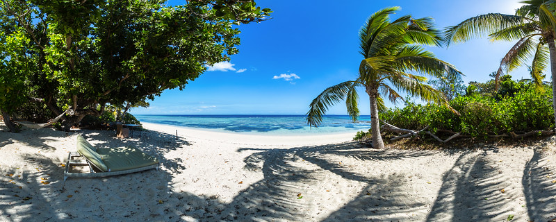 Relax at Mamanuca Beach - Vomo Island - Fiji Islands