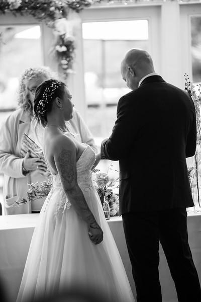 Sam_and_Louisa_wedding_great_hallingbury_manor_hotel_ben_savell_photography-0075.jpg