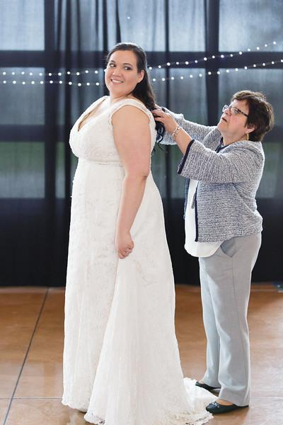 Bride&Bridesmaids_41.jpg