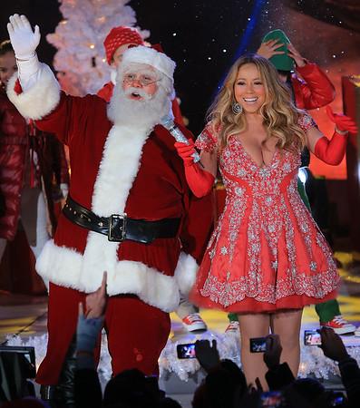2012-11-27 - Mariah Carey Xmas