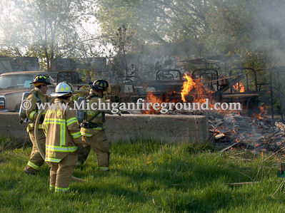 4/28/06 - Delhi Twp rubbish fire, 1433 N Meridian Rd