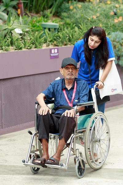 VividSnaps-Extra-Space-Volunteer-Session-with-the-Elderly-010.jpg