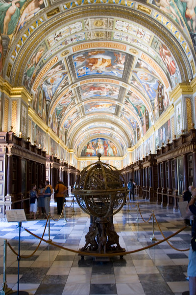 El Escorial library, founded by Philip II, houses a rare collection of more than 4,700 manuscripts, many of them illuminated, and 40,000 printed books.