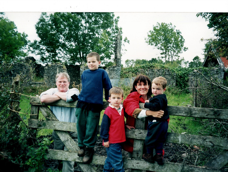 Jim and family Ireland 1997.jpg
