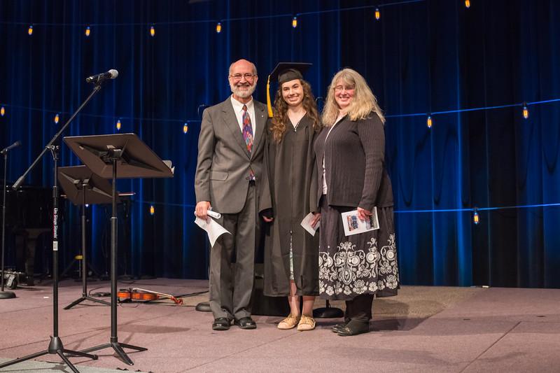 Kate_graduation_2018-38 (1).jpg