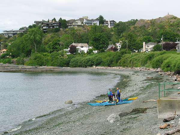 Royal Victoria Marathon Landmarks - 1999 Course - Oliver St. reaches Beach Drive at McNeill Bay (11 miles and 19 miles)
