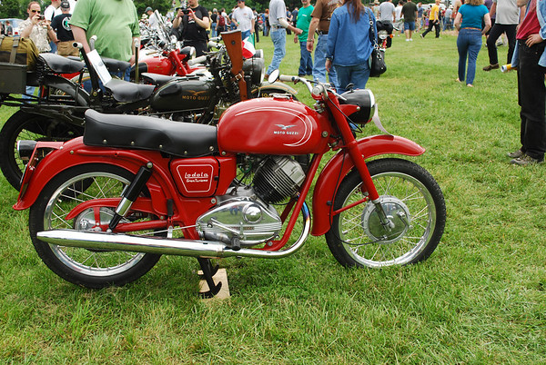 British & European Classic Motorcycle Day 2011 -1