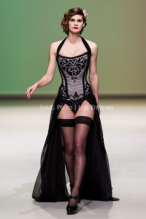 Starkers Corsetry | Fashion Art Toronto 2016 | Daniels Spectrum