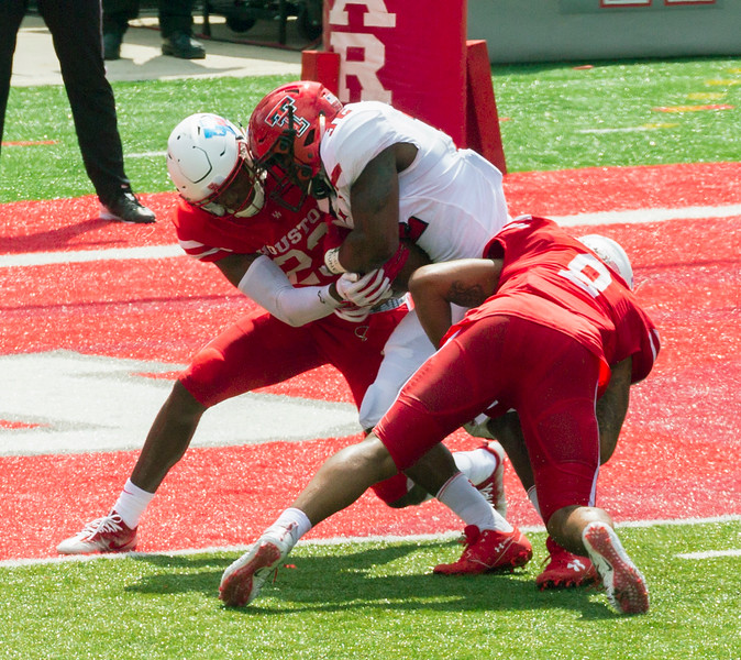 Nisby rushes for a Texas Tech touchdown.   Tech 13, Houston 0.