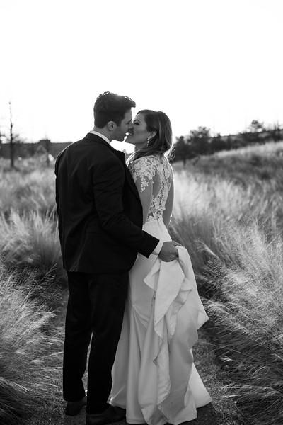 Kate&Josh_B&W_ZACH.WATHEN.PHOTOGRAPHER-437.jpg