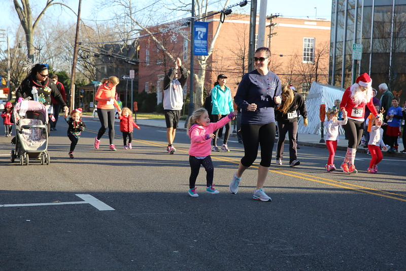 Toms River Police Jingle Bell Race 2015 - 00025.JPG