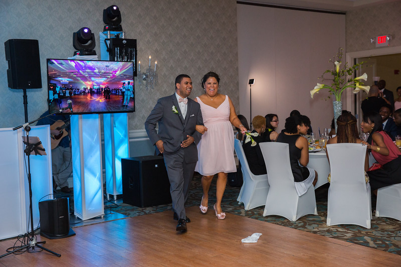 180_speeches_ReadyToGoPRODUCTIONS.com_New York_New Jersey_Wedding_Photographer_J+P (744).jpg