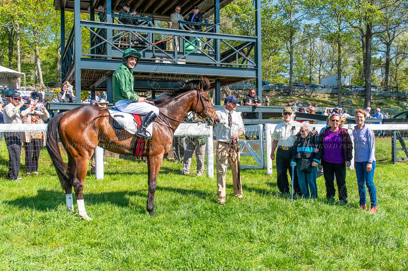 6th Race-Restricted Maiden Hurdle