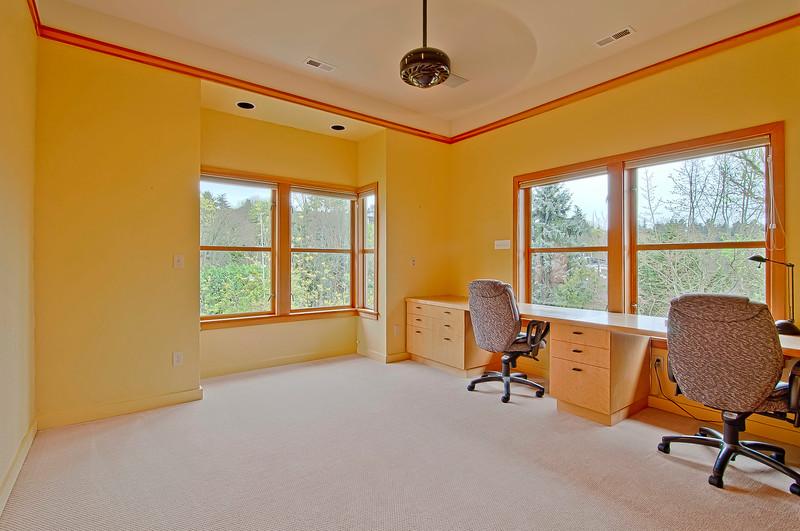 office bedroom up.jpg