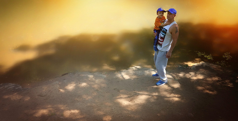 Family by Ray Bilcliff. www.trueportraits.com