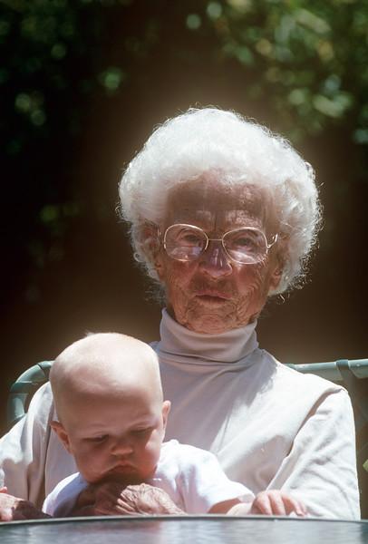 1989-05 Gram & Mia.jpg