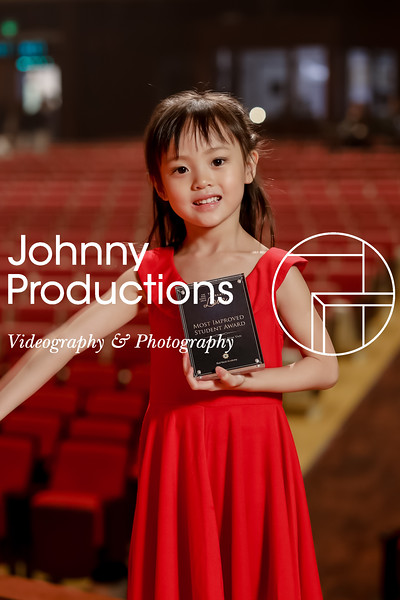 0021_day 1_award_red show 2019_johnnyproductions.jpg