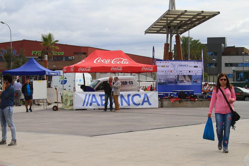 Frio ficos SAMMAMPOO FOMTEVE MAT C S- Coca Cola Coca-Cola TO GADIS kinde IXABANCA ence no en Coca-Cola Coca-Cola VOR-60 WE AR TIANCA