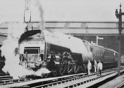 Gresley 10000 'Hush Hush' + Rebuilt 4-6-4 loco 60700