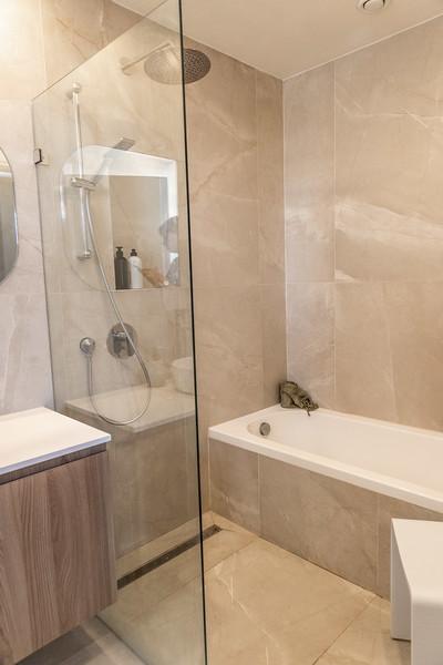 Nat Bathroom (8).jpg