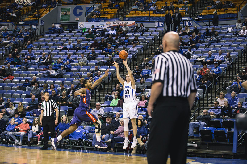 Indiana State takes Evansville on Wednesday, February 21, 2018 at the Hulman Center in Terre Haute, Indiana.