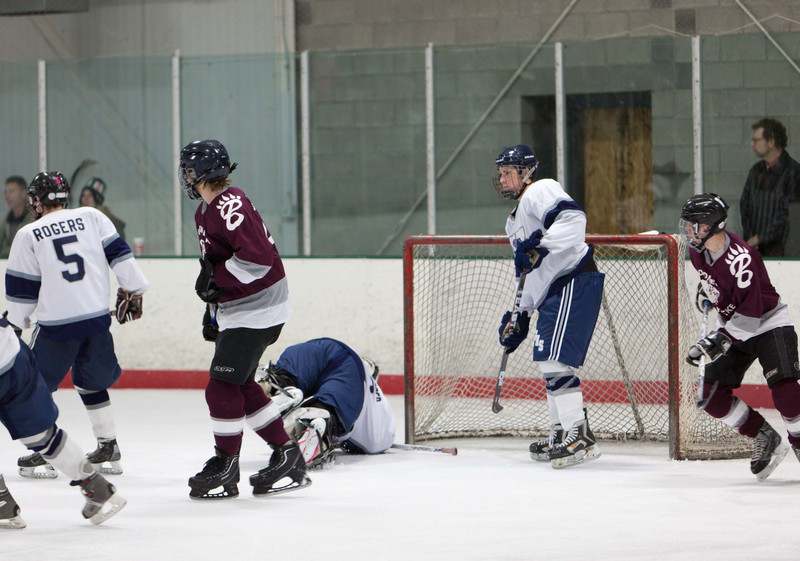 20110224_UHS_Hockey_Semi-Finals_2011_0367.jpg