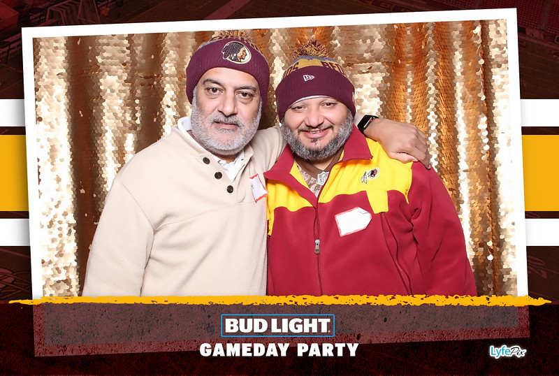 washington-redskins-philadelphia-eagles-football-bud-light-photobooth-20181203-210039.jpg