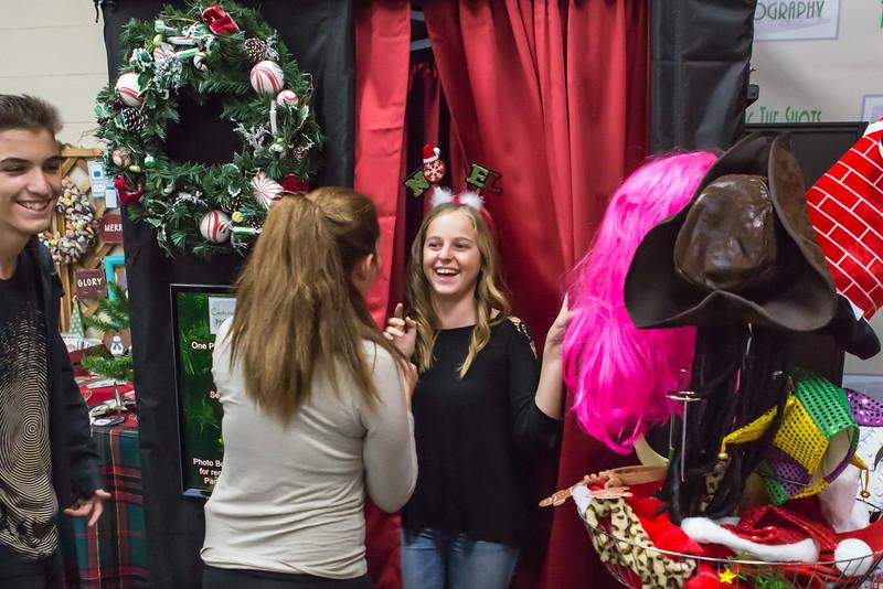 Good Shepard Lutheran School Christmas Boutique 2014-237.jpg