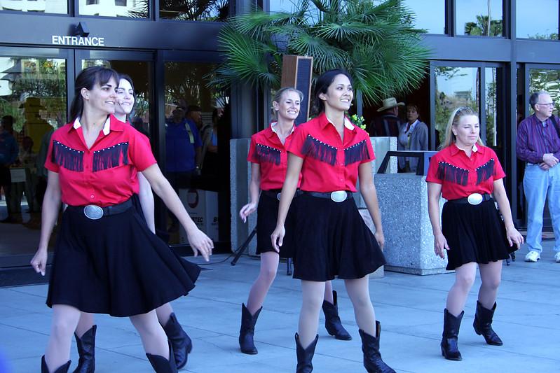 5632 In Cahoots Dancers.jpg