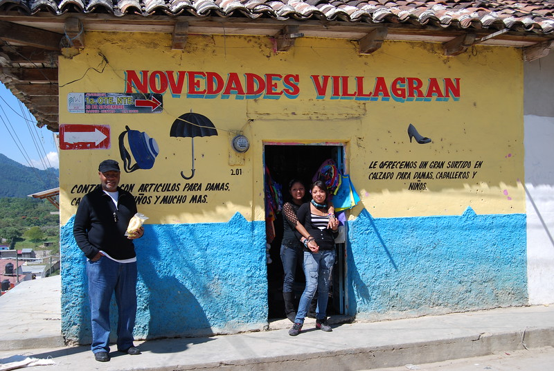 TITLE: ZAPATERA NEGRA WORK: DATE: PHASE: CREATOR: ALT CREATOR: MEASUREMENTS: MATERIAL: LOCATION:  San Cristobal de las Casas, Mexico ALT SITE: REPOSITORY: TECHNIQUE: DESCRIPTION: PROJECT DESCRIPTION: (rigo) EPHEMERA: SOURCE: ASSET: (rights of rigo) yes/no/ undertermined RIGHTS:  © gallery or institution ACCESS: (fisical folder / hard drive/ cd/ website)     CATALOGERS NOTE: