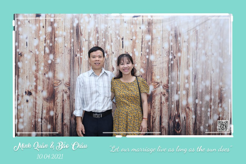 QC-wedding-instant-print-photobooth-Chup-hinh-lay-lien-in-anh-lay-ngay-Tiec-cuoi-WefieBox-Photobooth-Vietnam-cho-thue-photo-booth-100.jpg