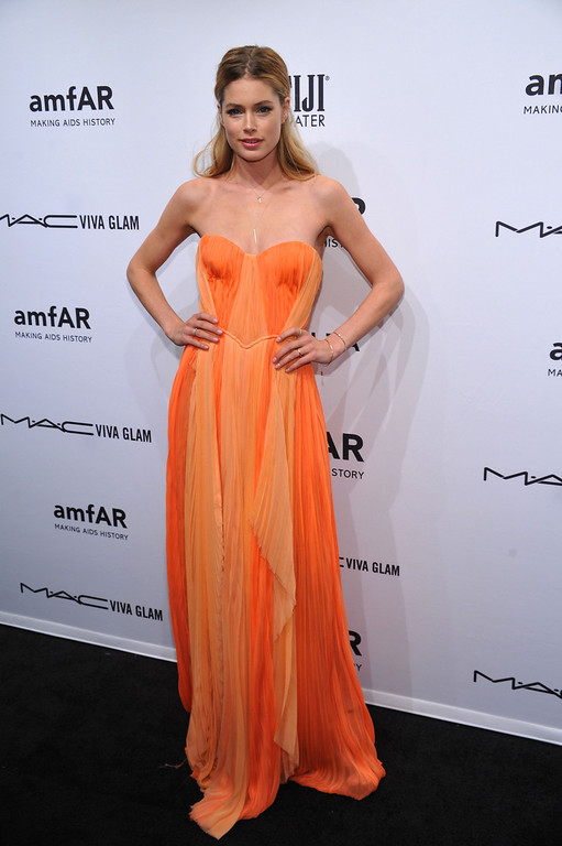 . NEW YORK, NY - FEBRUARY 06:  Model/Actress Doutzen Kroes attends the amfAR New York Gala to kick off Fall 2013 Fashion Week at Cipriani Wall Street on February 6, 2013 in New York City.  (Photo by Bryan Bedder/Getty Images for FIJI Water)