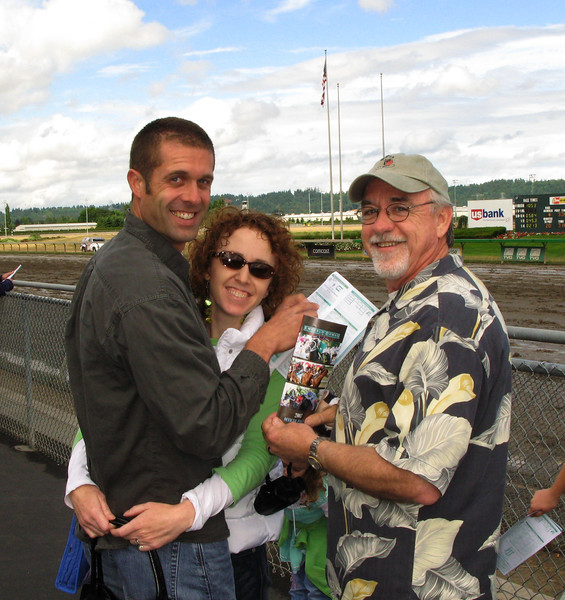 at the track_15.jpg