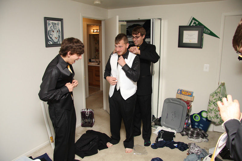 Guys Getting Ready (17).JPG