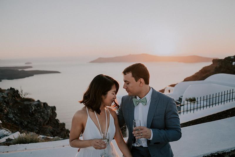 Tu-Nguyen-Destination-Wedding-Photographer-Santorini-Elopement-Alex-Diana-160.jpg