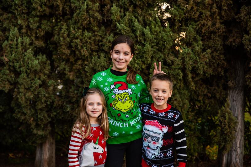 Christmas Sweater Cousins 2020-6687.jpg