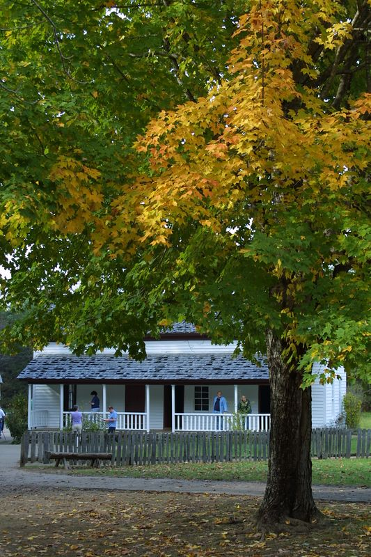 Becky Cable house Cades Cove Oct 2004