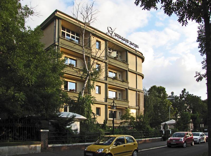 67-Mamaison Hotel