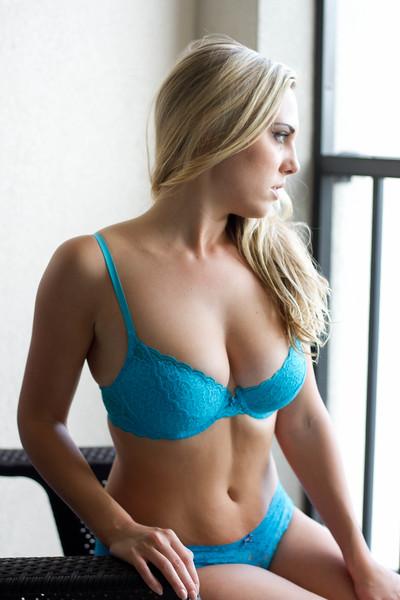Lindsey-.jpg