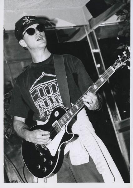 1995 - Louie Jones on guitar @ follies.jpeg