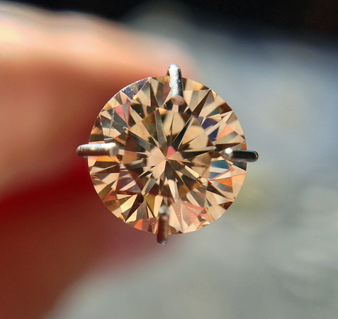 1.01ct Fancy Dark Yellowish-Brown Round Brilliant Diamond GIA