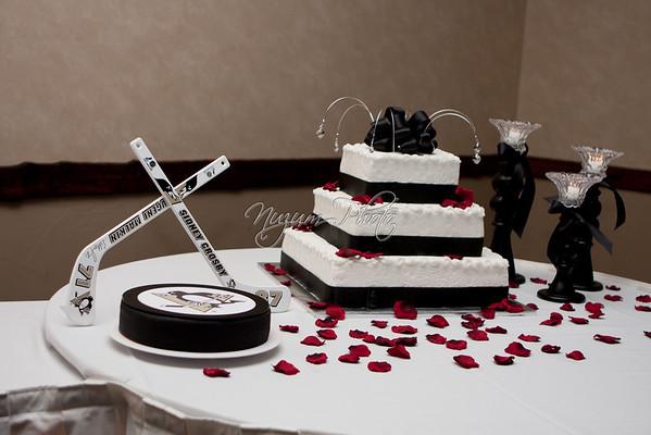 Cake Cutting - Nikki and Drew