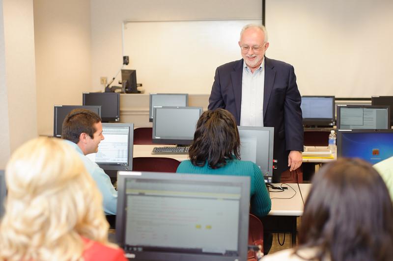 faculty-teaching-business-56.jpg