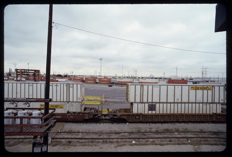 Intermodal facilities (BNSF) on Washington Boulevard, Commerce, 2004