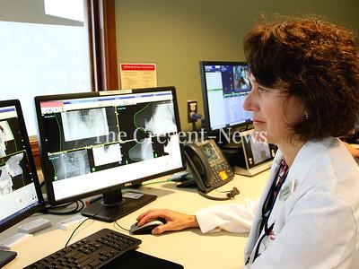 10-04-19 NEWS Julie White breast cancer