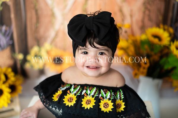 Flores, Emilianna