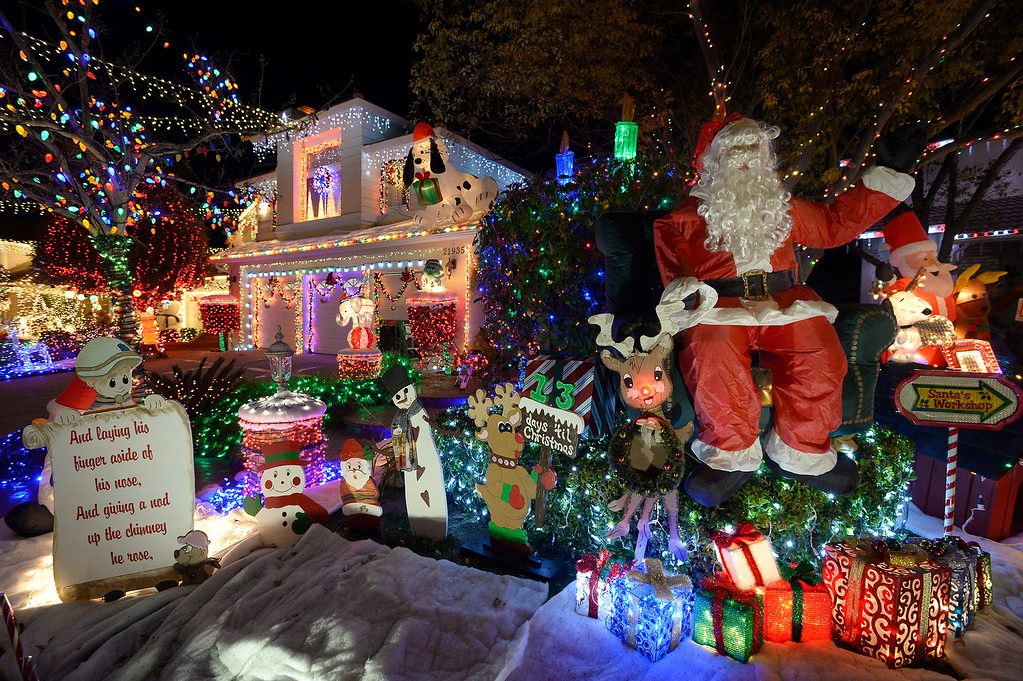 . Wakefield Court, located off Copperhill Drive via Courtland Way is a neighborhood that shows a lot of unity when it comes to home owners and Christmas decorations. Santa Clarita, CA. 12/7/2013.  (Photo by John McCoy/Los Angeles Daily News)
