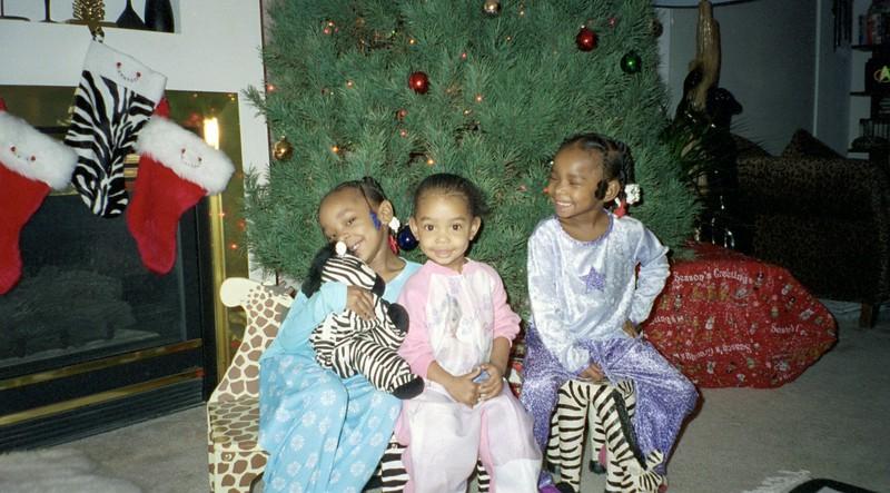 2001-12-23  Grand Daughters Chrstmas Visit  0011.jpg