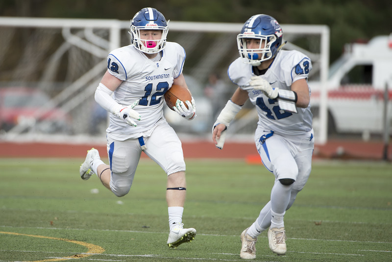 11/28/19  Wesley Bunnell   Staff  Southington football vs Cheshire in the Apple Valley Classic on Thanksgiving morning at Cheshire High School. QB Shane LaPorte (12).